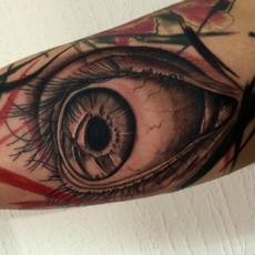 Ojo tattoo realista