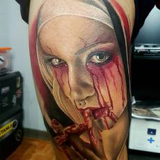 woman horror tattoo, realistic tattoo color,por...