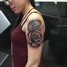 eye and rose