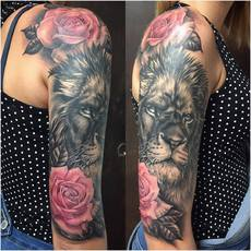 Realistic Lion in Black and Gray and Roses in C...