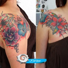 color shoulder flowers