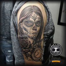 Catrina, en black and grey estilo realista, hec...