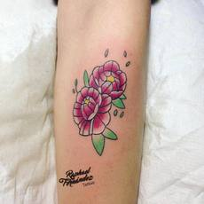 flowers tattoo by raphael fernandez