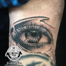 Tattoo Eye in black and grey