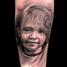 FALKE TATTOO, RETRATO DE NIÑO